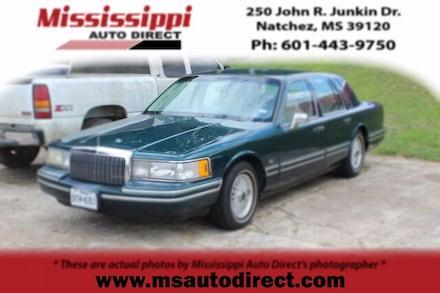 1993 Lincoln Town Car Signature Sedan