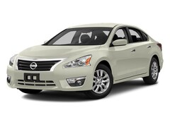 Used 2013 Nissan Altima 2.5 S Sedan for sale in Honolulu