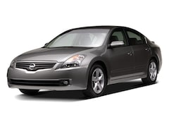 Used 2009 Nissan Altima 2.5 SL Sedan for sale in Honolulu