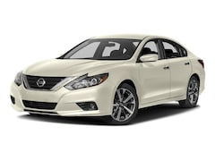 Used 2017 Nissan Altima 2.5 SR Sedan for sale in Honolulu