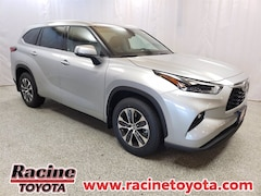 New 2021 Toyota Highlander XLE SUV in Mount Pleasant WI