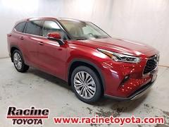 new 2021 Toyota Highlander Platinum SUV near milwaukee