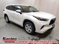 New 2021 Toyota Highlander LE SUV in Mount Pleasant WI