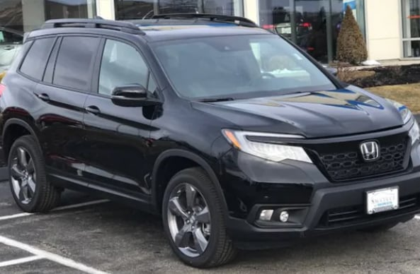 2019-Honda-Passport-Touring-AWD-SUV-at-Saccucci-Honda