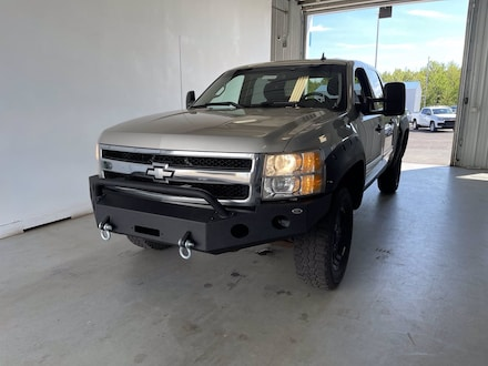 Featured used 2009 Chevrolet Silverado 1500 LT Truck Crew Cab for sale in Two Harbors, MN, near Duluth