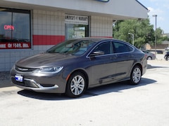2016 Chrysler 200 Limited Limited  Sedan