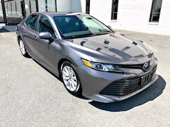 2019 Toyota Camry LE 4