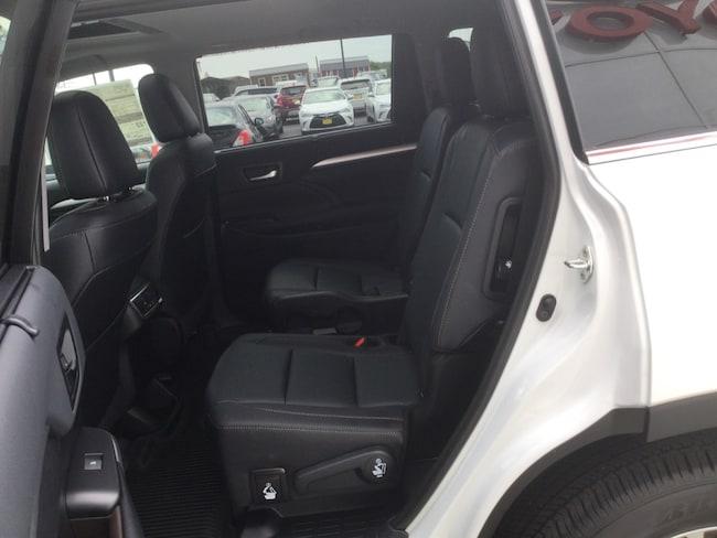 New 2019 Toyota Highlander For Sale | Tilton IL