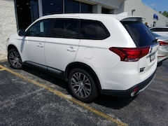 Used 2018 Mitsubishi Outlander SE SUV JA4AD3A35JZ000604 for sale in Merrillville, IN at Webb Mitsubishi