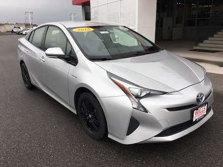 2016 Toyota Prius Package Three Hatchback