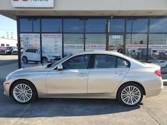 2013 BMW 328i xDrive w/SULEV Sedan