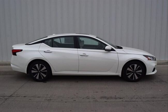 New 2019 Nissan Altima 2.5 SV Sedan in Springfield, MO