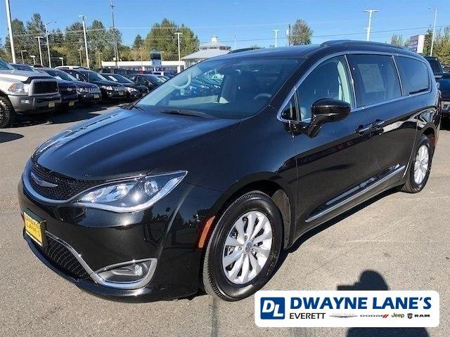 2018 Chrysler Pacifica Touring L Mini-Van