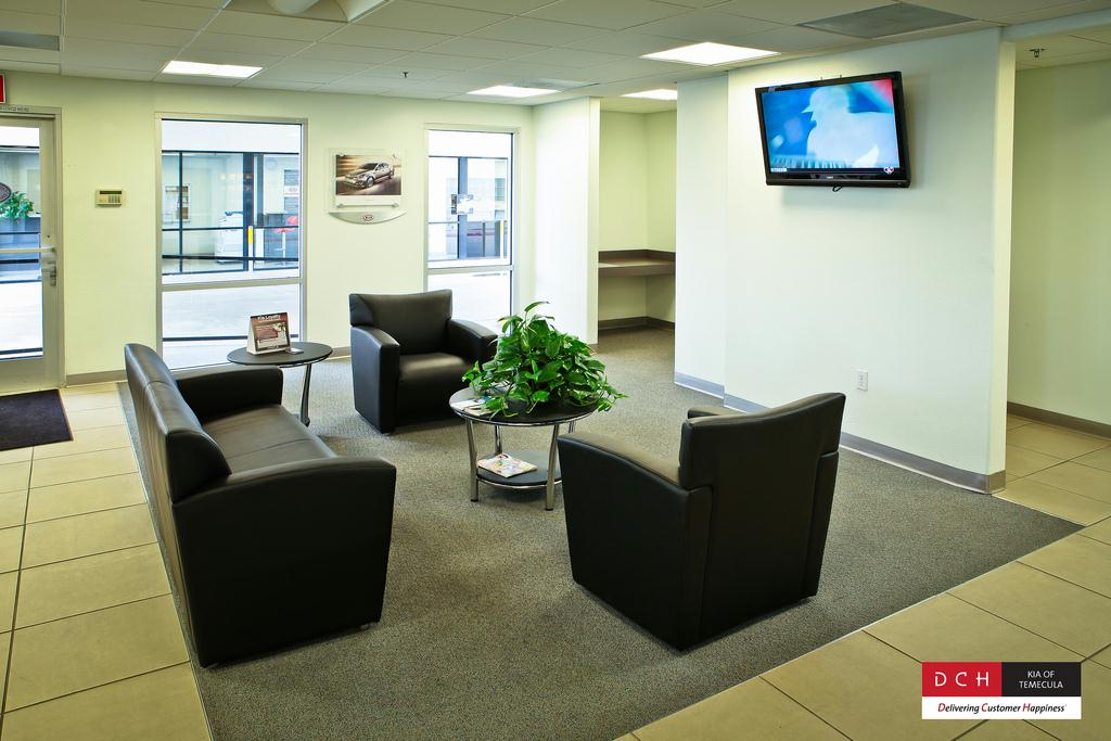 DCH Kia of Temecula Service Center Customer Lounge