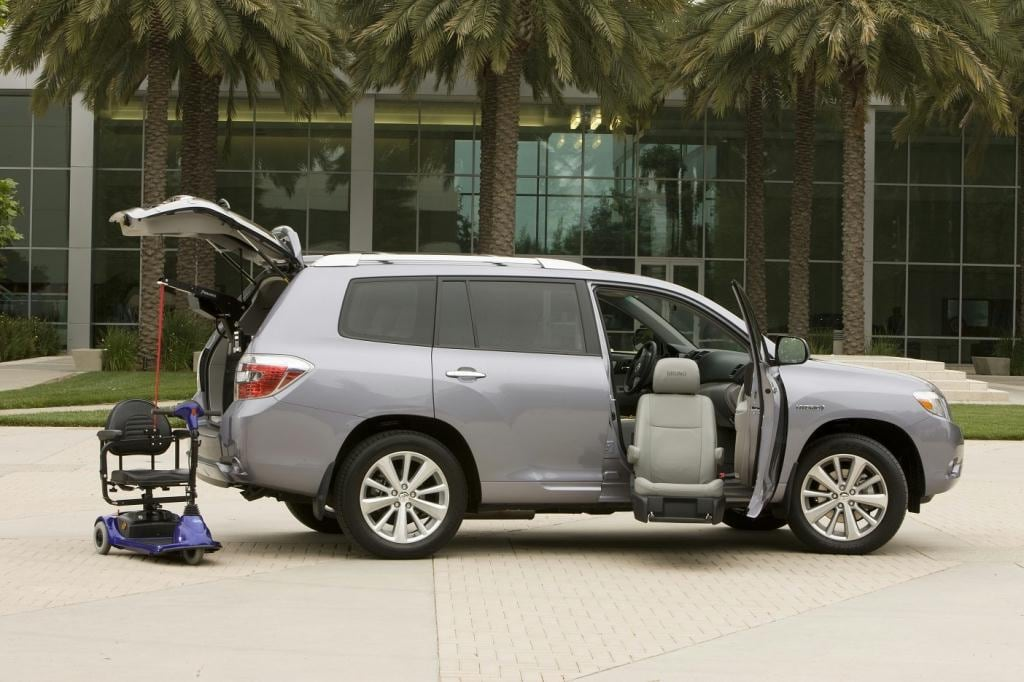 Toyota RAV4 with Front Seat Mobility Access