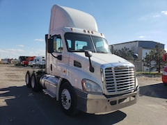 2013 FREIGHTLINER Cascadia day cab 6 units