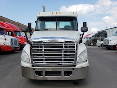 2012 FREIGHTLINER day cab cascadia low km