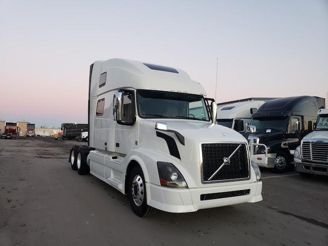 2015 VOLVO 780  highway truck