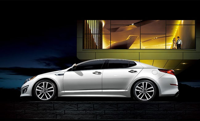 KIA Provides Roomy Comfort With Individual Environment Controls In The 2014  Optima.