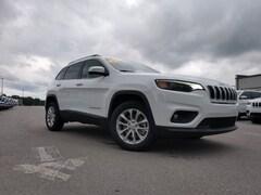 New 2019 Jeep Cherokee LATITUDE FWD Sport Utility 1C4PJLCB4KD469789 in Crossville