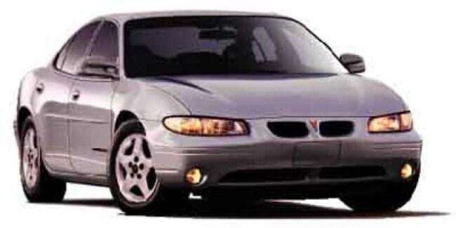 2002 Pontiac Grand Prix SE Sedan