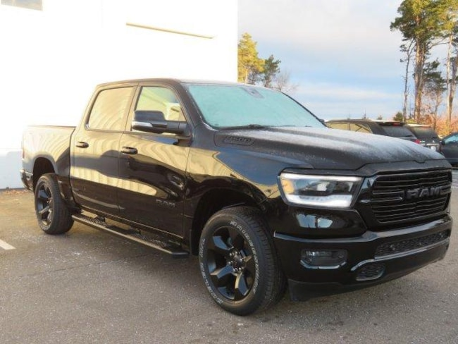 New 2019 Ram 1500 BIG HORN / LONE STAR CREW CAB 4X4 5'7 BOX Crew Cab Near Grand Rapids