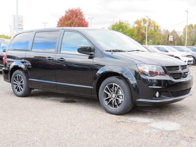 New 2019 Dodge Grand Caravan SE PLUS Passenger Van Near Grand Rapids