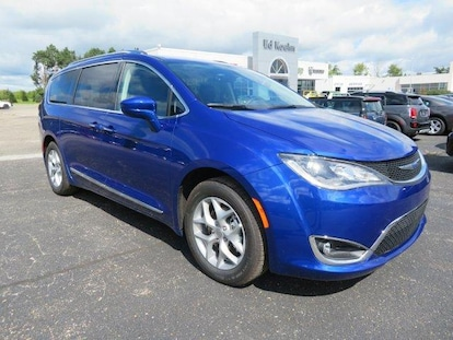 New 2019 Chrysler Pacifica TOURING L PLUS For Sale