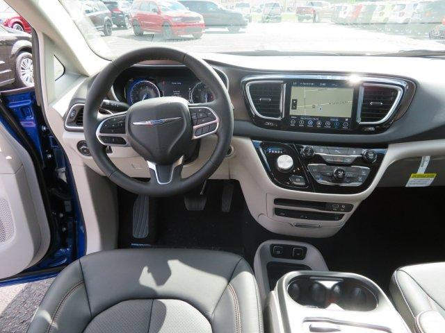 New 2019 Chrysler Pacifica TOURING L PLUS For Sale/Lease