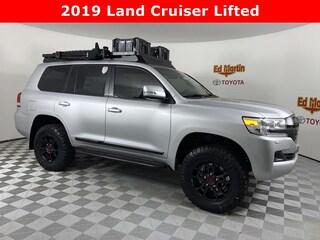 New 2019 Toyota Land Cruiser V8 SUV