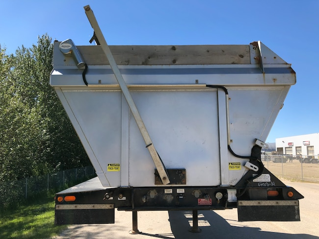 Used 2014 ARNES Side Dump Tandem Lead near Edmonton, AB
