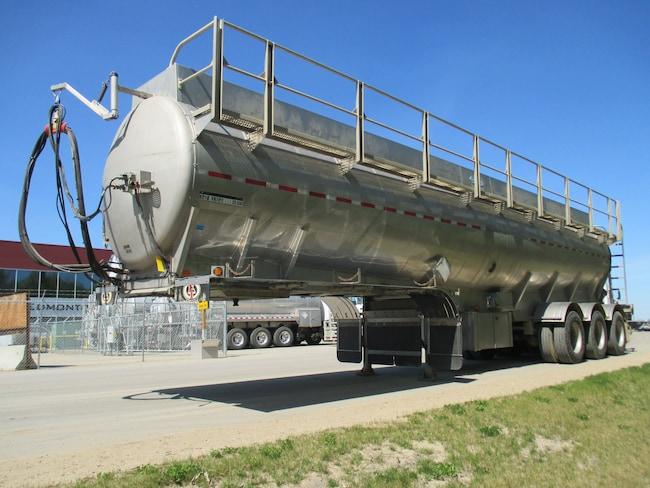 Used 2014 Lazer Tridem Stainless Steel TC407 near Edmonton, AB