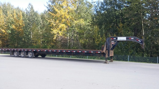 Used 2014 Load Trail Tilt Deck Gooseneck Edmonton
