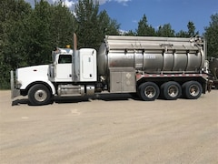 Used 2014 PETERBILT Conventional 367 near Edmonton, AB