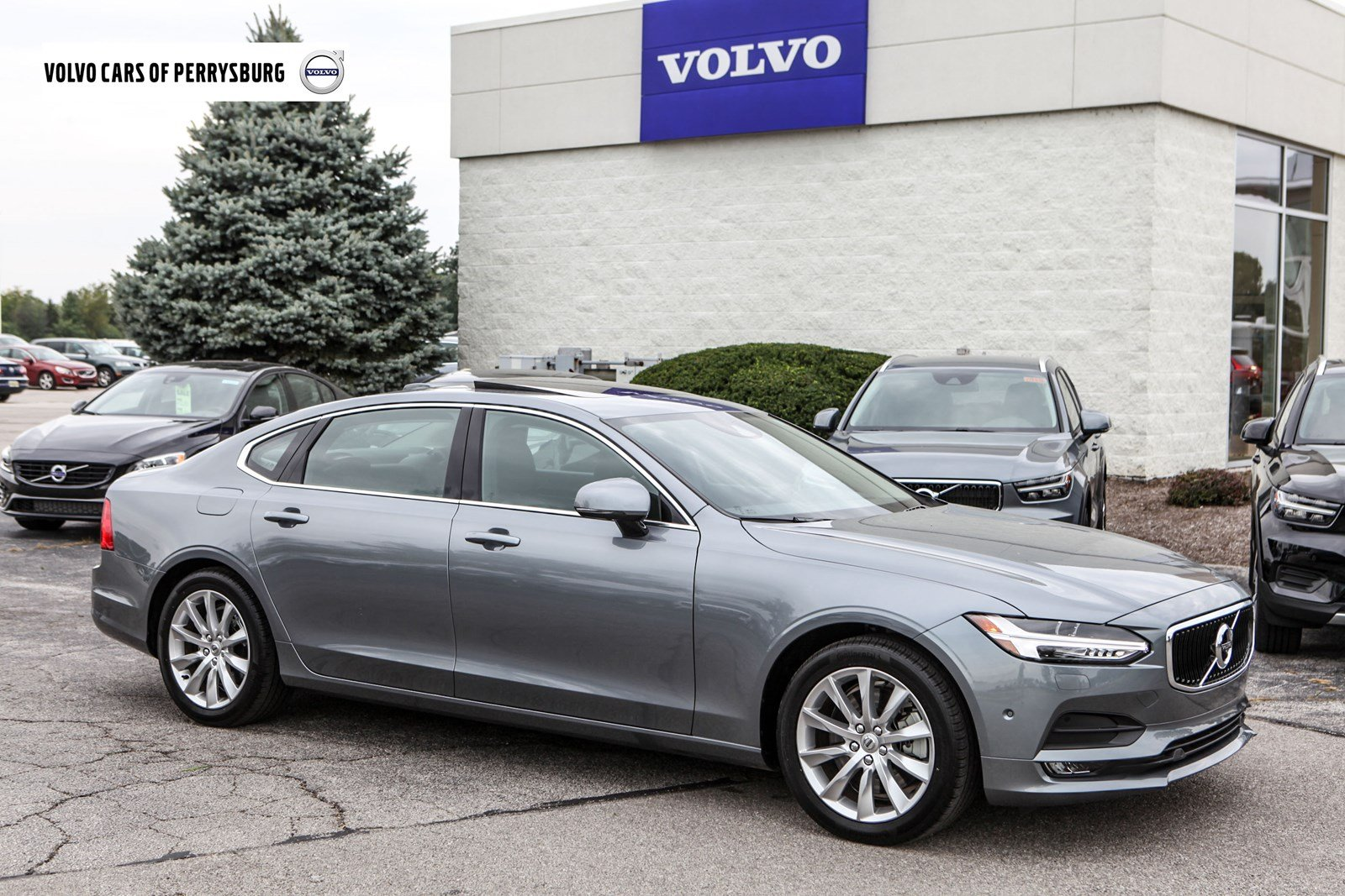2018 Volvo S90 T6 AWD Momentum Sedan Near Toledo
