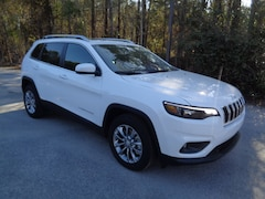 New 2019 Jeep Cherokee LATITUDE PLUS FWD Sport Utility in Florence, SC