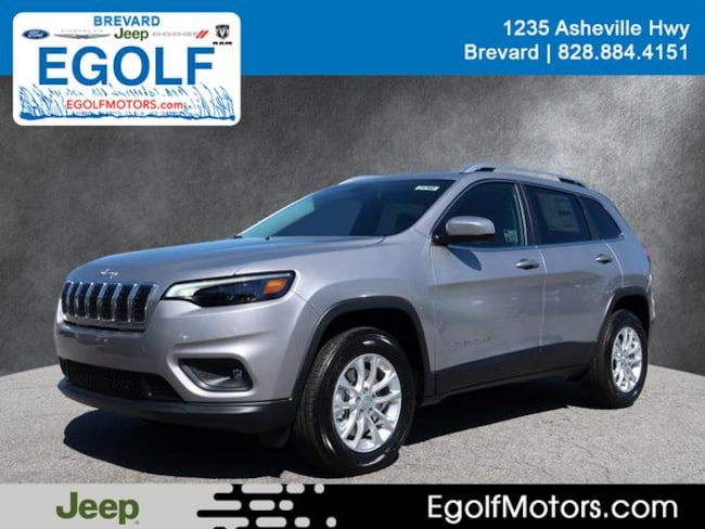 New 2019 Jeep Cherokee LATITUDE 4X4 Sport Utility Near Asheville