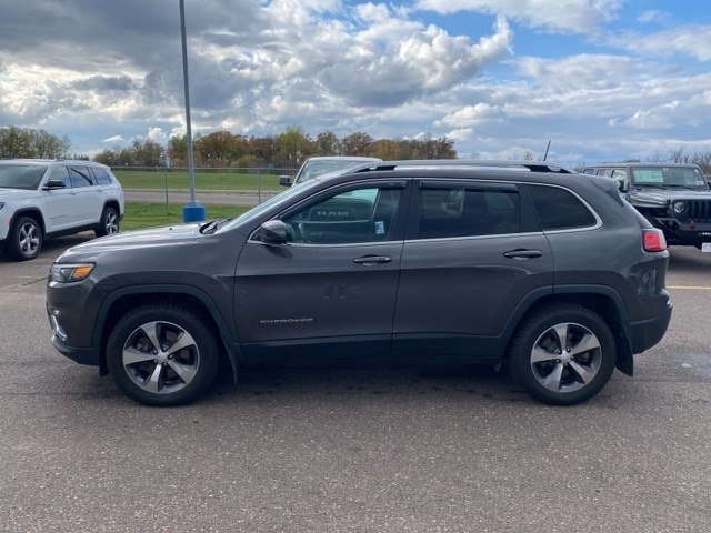 Used 2019 Jeep Cherokee Limited with VIN 1C4PJMDX6KD256813 for sale in Pine City, Minnesota
