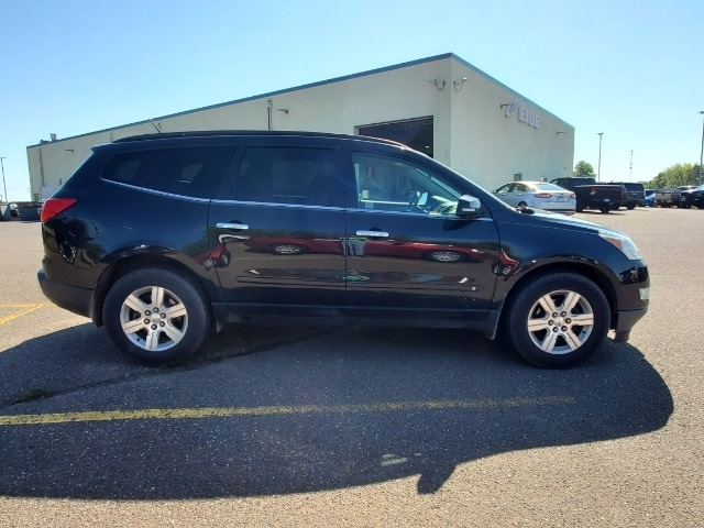 Used 2010 Chevrolet Traverse 2LT with VIN 1GNLVGED1AS121006 for sale in Pine City, Minnesota