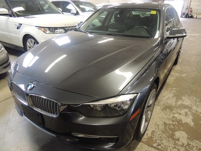 2013 BMW 320 i xDrive, LEATHER, SUNROOF, ALLOYS Sedan