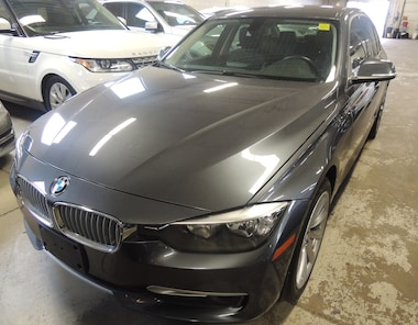 2013 BMW 320 i xDrive, LEATHER, SUNROOF, ALLOYS Sedan