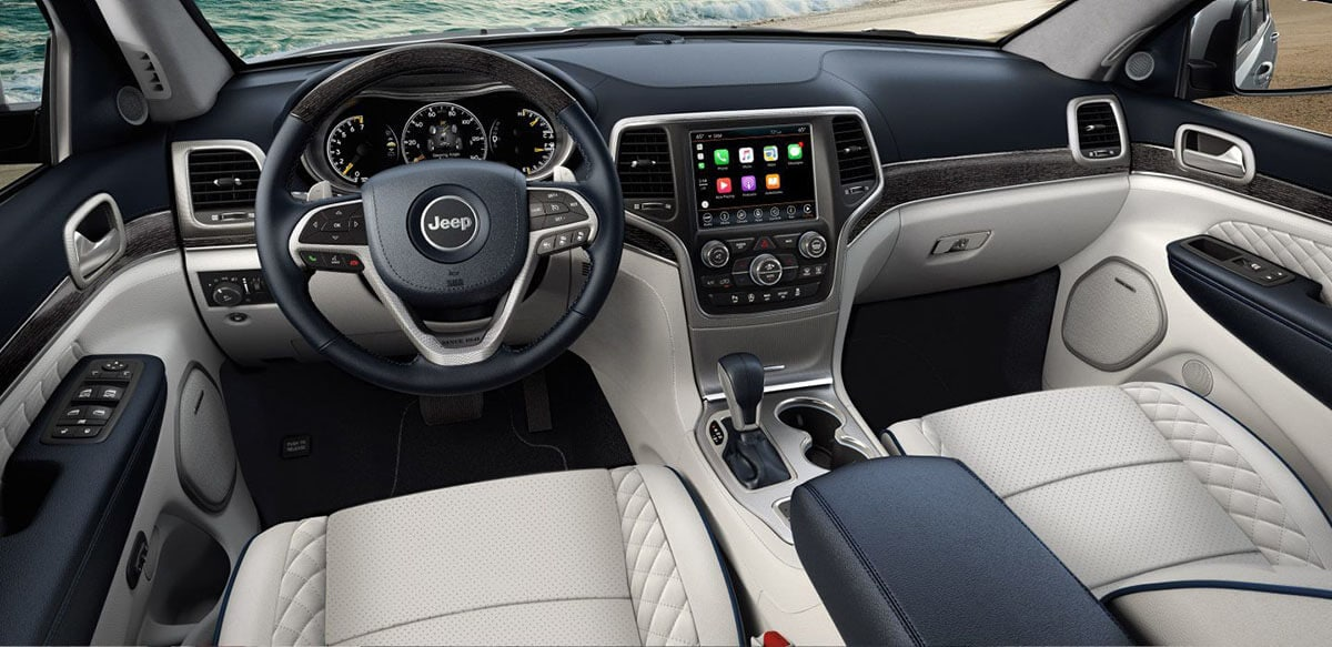2018 Jeep Grand Cherokee Summit Signature Interior