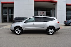 Used 2011 Chevrolet Traverse Front-wheel Drive under $10,000 for Sale in Elgin