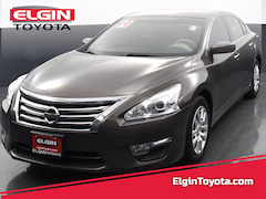 Used car 2014 Nissan Altima Front-wheel Drive for sale in Streamwood, IL