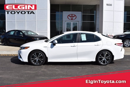 Featured Used 2020 Toyota Camry Hybrid Front-wheel Drive for Sale near Elgin, IL