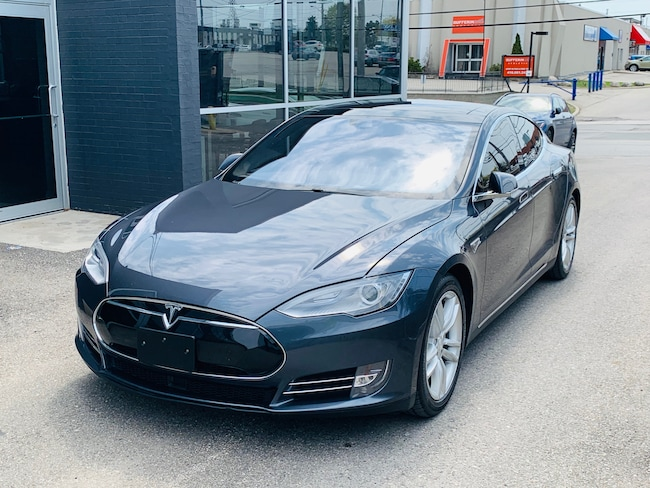 2015 Tesla Model S 90D Sedan