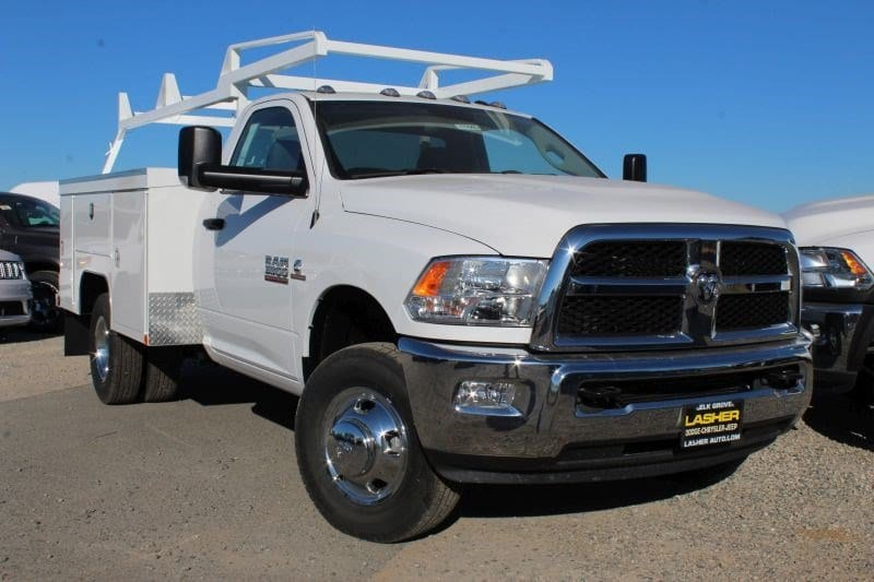 2017 Ram 3500 TRADESMAN CHASSIS REGULAR CAB 4X2 143.5 WB Regular Cab