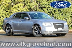 2016 Chrysler 300C Base Sedan