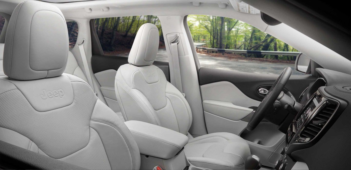 2019 Jeep Cherokee Front Interior Seating