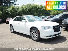 New 2019 Chrysler 300 TOURING L AWD Sedan for sale or lease in Wheeling, WV near St. Clairsville, OH
